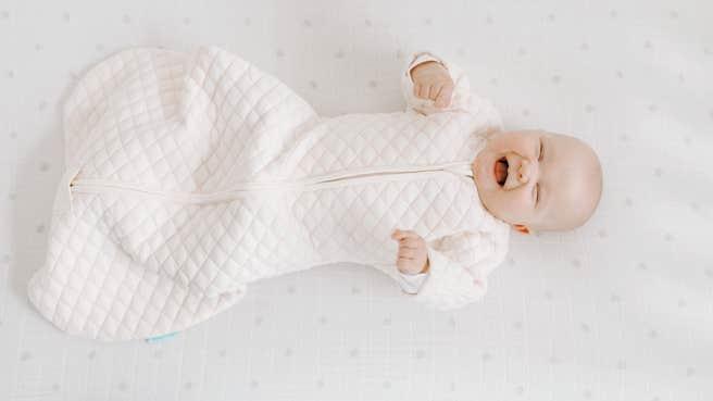 aden + anais cream/pink snug fit Schlafsack mit optimaler Passform 1,5 TOG