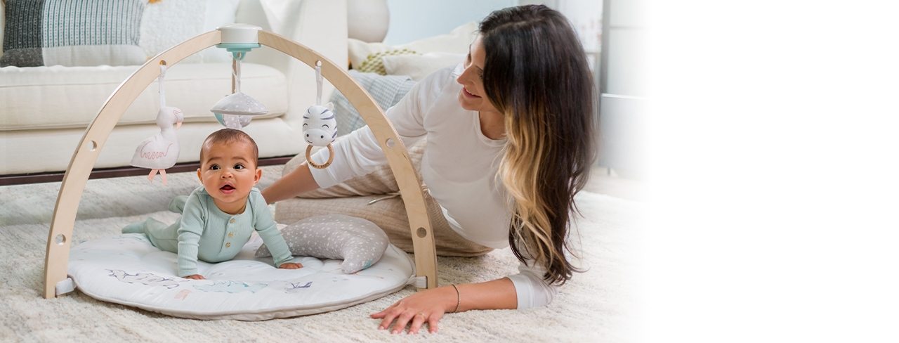 Unterstützen Sie die Entwicklung Ihres Babys mit der Baby-Spieldecke mit Bogen, die alles kann