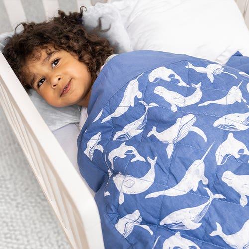 Decke für das Kleinkindbett
